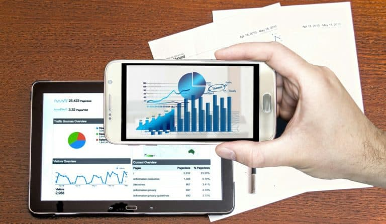 expense reporting software tablet and mobile phone interface